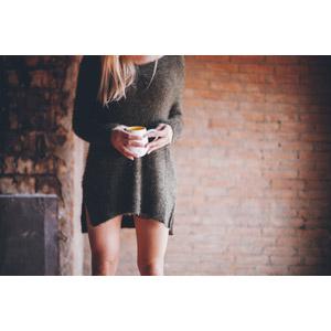 フリー写真, 人物, 女性, 外国人女性, セーター, マグカップ