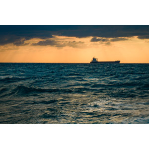 フリー写真, 風景, 船, 貨物船, 海, 夕暮れ(夕方), 夕焼け