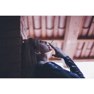 フリー写真, 人物, 女性, 外国人女性, 横顔, 煙草(タバコ)