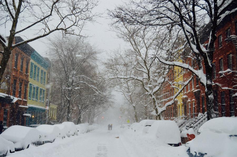 フリー写真 大雪に見舞われるニューヨークの街