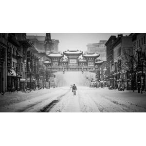 フリー写真, 風景, 建造物, 建築物, 街並み(町並み), 中華街(チャイナタウン), 道路, 雪, 冬, アメリカの風景, ワシントン州, 人と風景