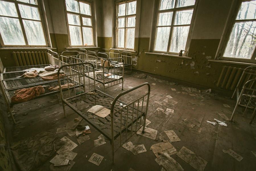 フリー写真 チェルノブイリ原発事故によって廃墟となった園舎