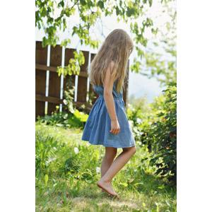 フリー写真, 人物, 子供, 女の子, 外国の女の子, 女の子(00034), 草むら, ワンピース