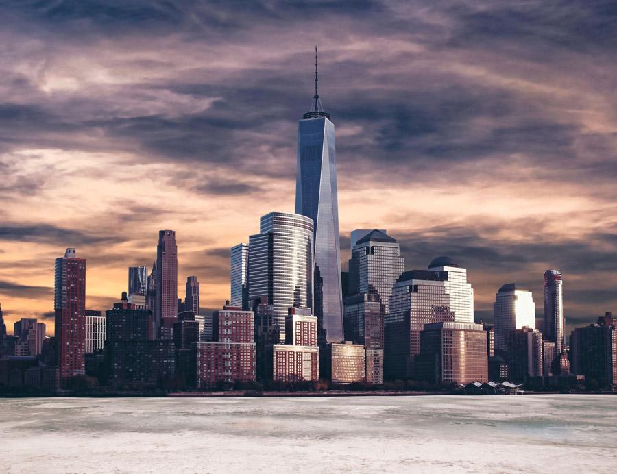 フリー写真 夕暮れの1ワールドトレードセンターとニューヨークの都市風景