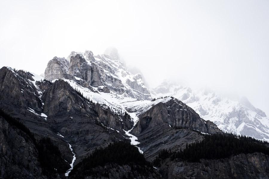 フリー写真 カナディアン・ロッキーの山の風景
