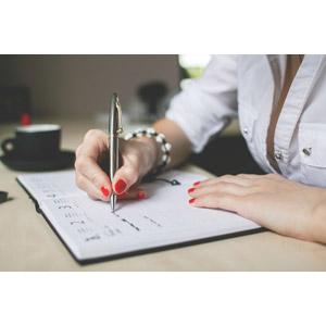 フリー写真, 人物, ビジネス, ビジネスウーマン, 仕事, 職業, 書く, 手帳