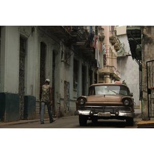 フリー写真, 風景, 建造物, 建築物, 都市, 路地, 乗り物, 自動車, タクシー, キューバの風景, ハバナ