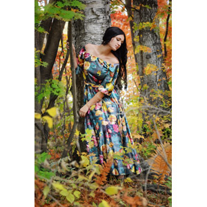 フリー写真, 人物, 女性, 外国人女性, ロシア人, 紅葉(黄葉), 秋, ドレス