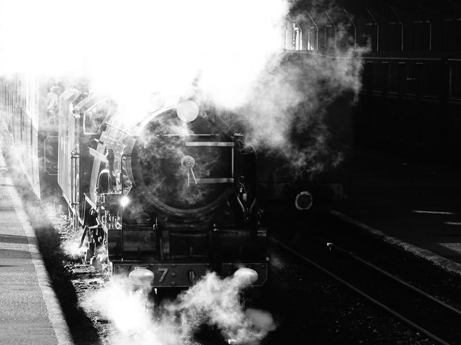 フリー写真 ロムニー・ハイス&ディムチャーチ鉄道の蒸気機関車