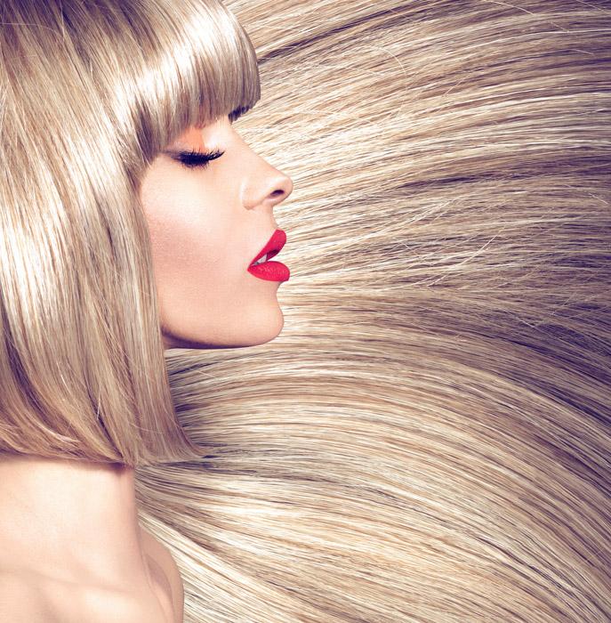 フリー写真 ブロンドの髪の毛と外国人女性の横顔