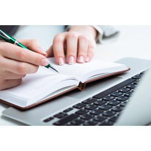 フリー写真, 人体, 手, 書く, 手帳, パソコン(PC), ノートパソコン
