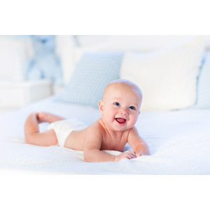 フリー写真, 人物, 子供, 赤ちゃん, 腹這い, 笑う(笑顔), 赤ちゃん(00164)