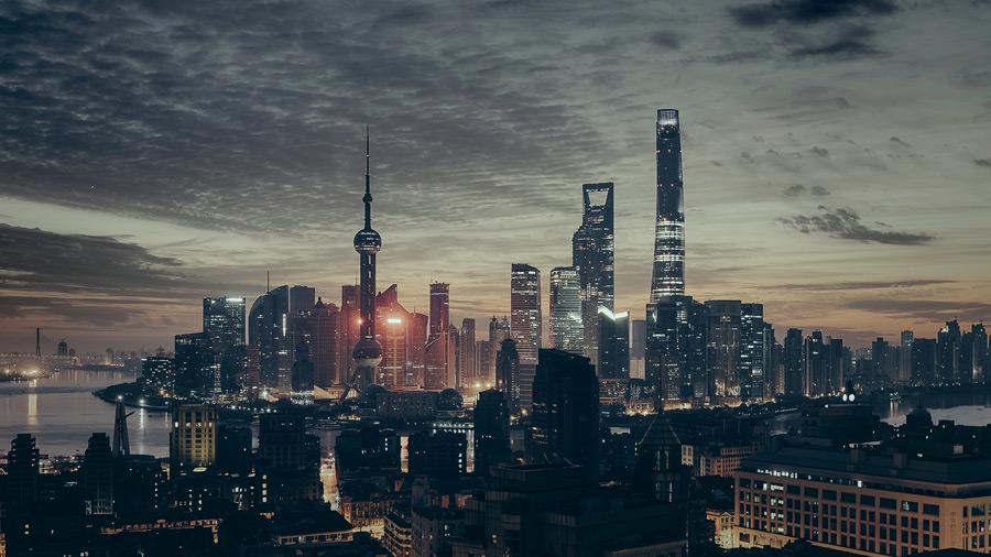 フリー写真 日暮れの上海の街並み
