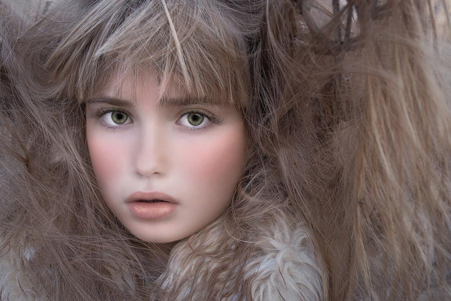 フリー写真 髪の毛と外国の女の子