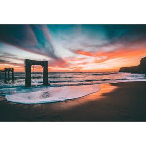 フリー写真, 風景, 建造物, 橋, 工事, 夕暮れ(夕方), 夕焼け, ビーチ(砂浜), 海, アメリカの風景, アイオワ州