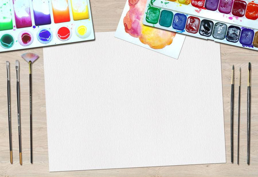 フリー写真 画用紙と絵の具と絵筆