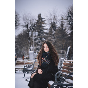フリー写真, 人物, 女性, 外国人女性, ウクライナ人, 雪, 冬, 座る(ベンチ)