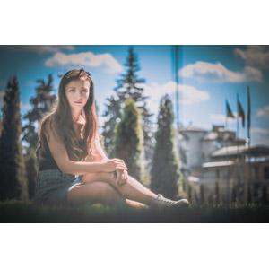 フリー写真, 人物, 女性, 外国人女性, ウクライナ人, 座る(地面)