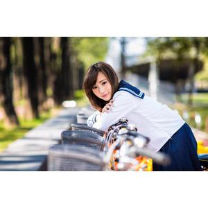 フリー写真, 人物, 少女, アジアの少女, 中国人, 女性(00160), 学生(生徒), 学生服, 高校生, 通学鞄, 人と乗り物, 自転車