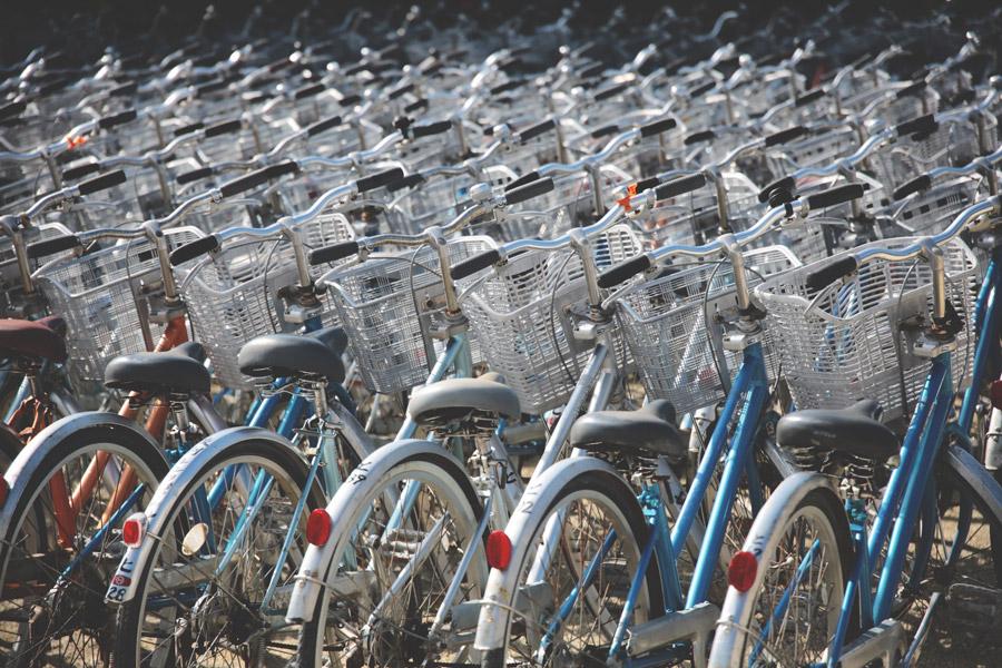 フリー写真 自転車置き場の風景