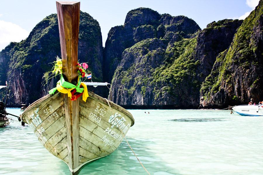 フリー写真 ピーピー諸島のマヤ湾の風景