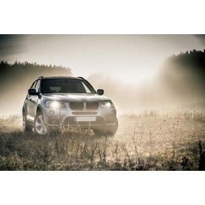 フリー写真, 乗り物, 自動車, クロスオーバーSUV, BMW, BMW・X1, 霧(霞)