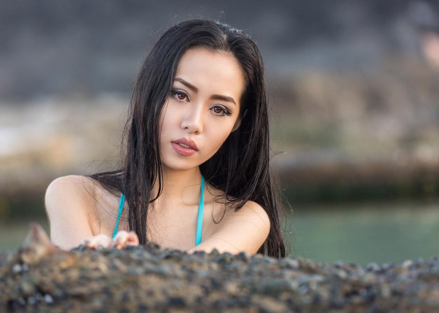 フリー写真 アジア人女性のバストアップショット