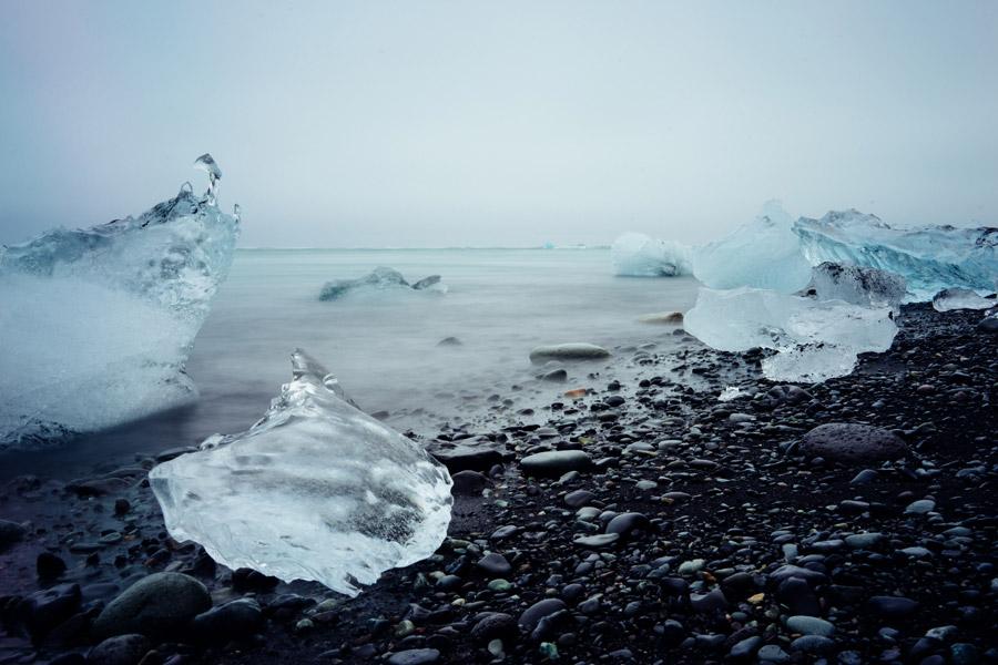 フリー写真 ヨークルスアゥルロゥンの湖と氷の風景
