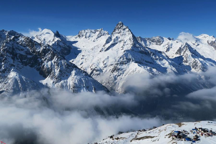 フリー写真 ロシアのコーカサス山脈の風景