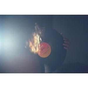 フリー写真, 人物, 太陽光(日光), 音楽, レコード
