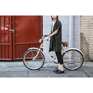 フリー写真, 人物, 女性, 外国人女性, スロバキア人, 人と乗り物, 乗り物, 自転車