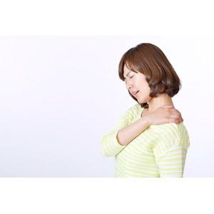 フリー写真, 人物, 女性, アジア人女性, 日本人, 女性(00086), 肩こり, 痛い, 疲れる, 白背景