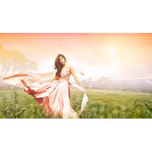 フリーイラスト, 人物, 女性, ドレス, 人と風景, 草むら, 草原, 踊る(ダンス)