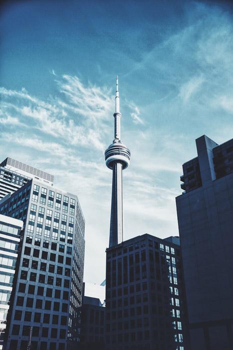 フリー写真 CNタワーと高層ビルの風景
