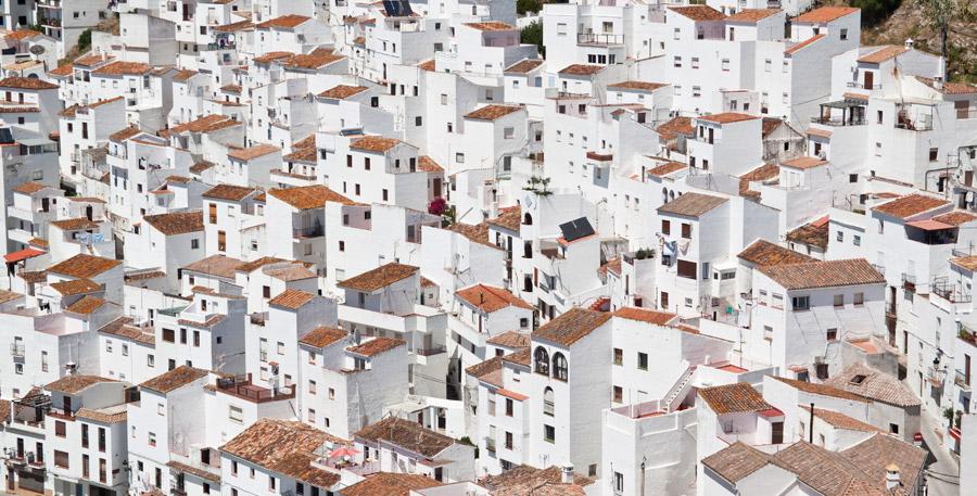 フリー写真 カサレスの白い村の町並み風景