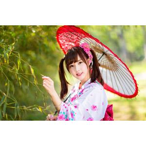 フリー写真, 人物, 女性, アジア人女性, 中国人, apple(00128), 和服, 浴衣, 日傘, 和傘, ツインテール