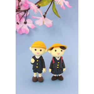 フリー写真, 人形, 学校, 学生(生徒), 学生服, 小学生, 4月, 桜(サクラ), 春