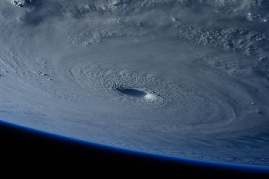 フリー写真 平成27年台風第4号「メイサーク」