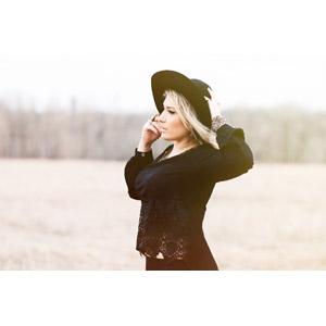 フリー写真, 人物, 女性, 外国人女性, 横顔, 帽子, 金髪(ブロンド)
