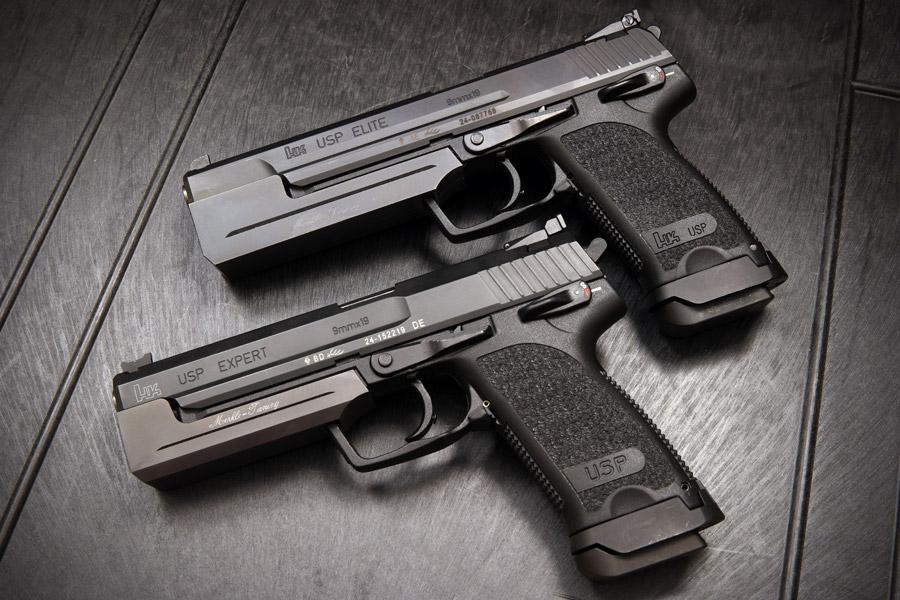 フリー写真 二丁のH&K USPの自動拳銃