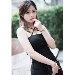 フリー写真, 人物, 女性, アジア人女性, ベトナム人, 女性(00175), ドレス, 唇に指を当てる