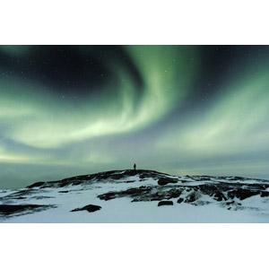 フリー写真, 風景, 夜, 夜空, オーロラ, 人と風景, ロシアの風景, 雪, 星(スター), ムルマンスク州, 冬