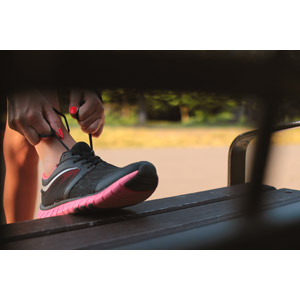 フリー写真, 人体, 手, 足, 靴(シューズ), スニーカー, 運動, スポーツ