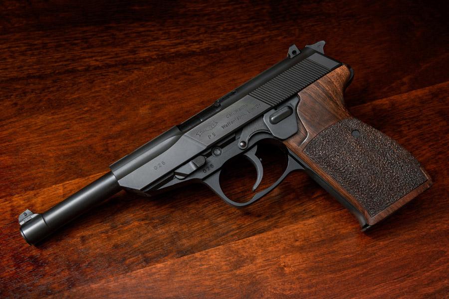 フリー写真 ワルサーP5自動式拳銃
