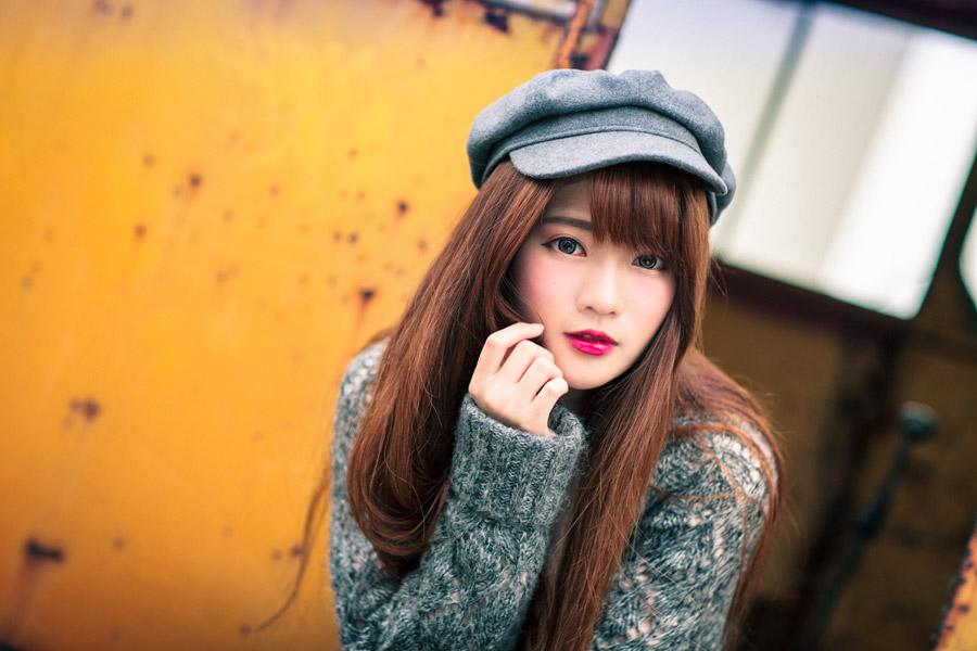 フリー写真 ハンチング帽を被る女性のポートレイト