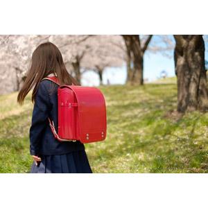 フリー写真, 人物, 子供, 女の子, アジアの女の子, 日本人, 女の子(00119), 学生(生徒), 小学生, 学生服, ランドセル, 桜(サクラ), 春