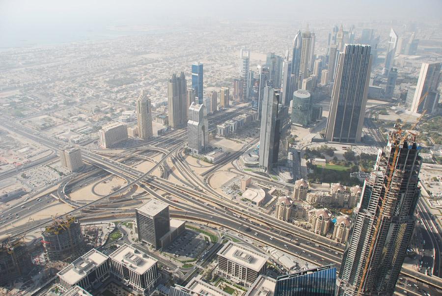 フリー写真 超高層ビルの建ち並ぶドバイの都市風景