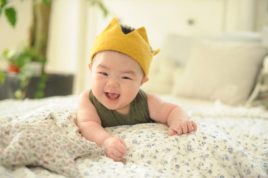 フリー写真 笑顔の赤ちゃん