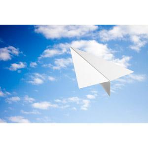 フリー写真, 風景, 紙飛行機, 空, 雲, 青空