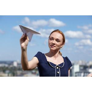 フリー写真, 人物, 女性, 外国人女性, 女性(00182), 紙飛行機